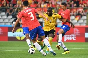 Bertanding di kandang sendiri Stadion King Baudouin dengan kekuatan utamanya minus kapten tim Vincent Kompany yang belum pulih dari cedera, Belgia menguasai jalannya pertandingan.