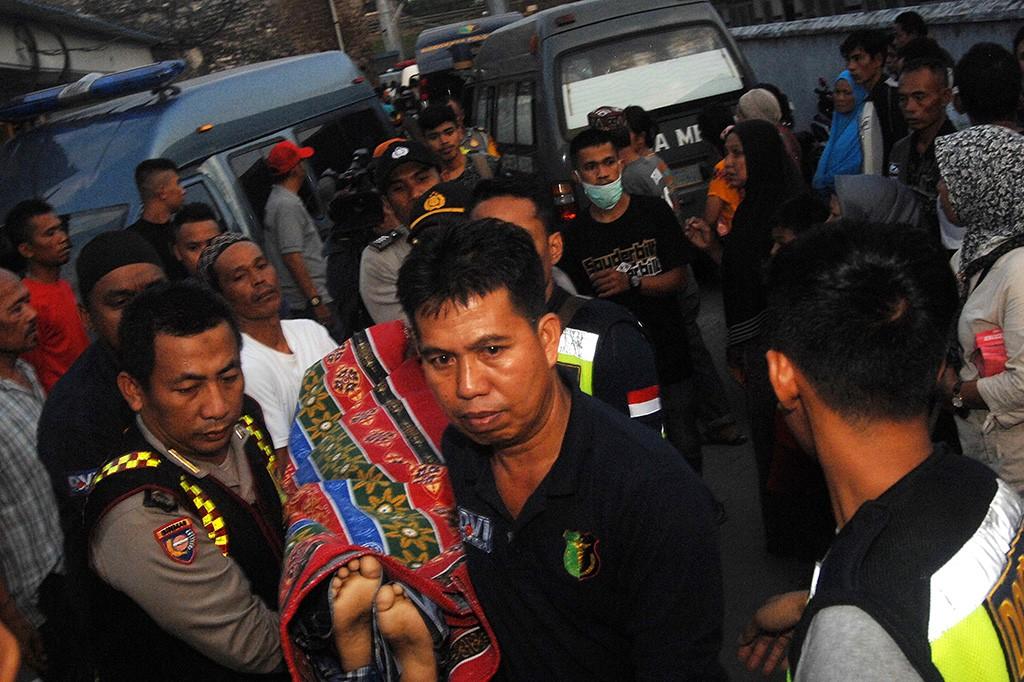 13 Orang Tewas dalam Insiden Kapal Tenggelam di Perairan Makassar