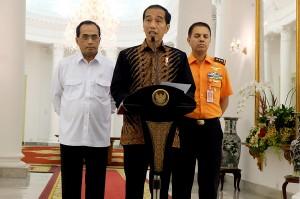 Jokowi telah memerintahkan Menteri Perhubungan Budi Karya Sumadi untuk melakukan evaluasi. Dia meminta kecelakaan nahas itu jangan sampai terulang lagi. Antara Foto/Desca Lidya Natalia