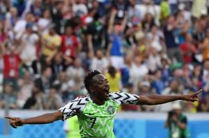 Pada menit ke-75, Musa kembali membuat penggemar Nigeria yang memadati Volgograd Arena, bergemuruh lewat aksi 'solo run' dari sisi kanan pertahanan Islandia yang diakhiri tendangan keras ke arah gawang Halldorsson dan mengubah kedudukan 2-0 untuk Nigeria.