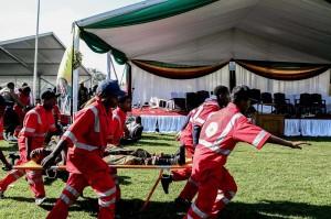 Korban luka-luka segera dilarikan ke rumah sakit. Belum diketahui pihak yang bertanggung jawab terkait ledakan tersebut.