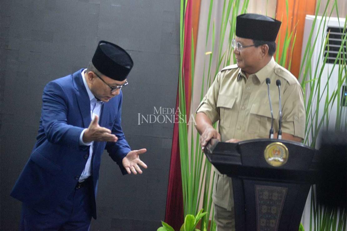 Sementara itu Prabowo menyatakan sepakat dengan pernyataan Zulkifli.