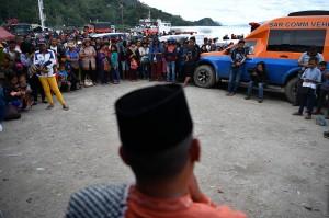 Doa yang dipimpin sejumlah pemuka agama secara bergantian tersebut bertujuan agar para jenazah korban KM Sinar Bangun segera ditemukan dan operasi SAR yang dilakukan oleh tim gabungan dapat berlangsung dengan lancar.