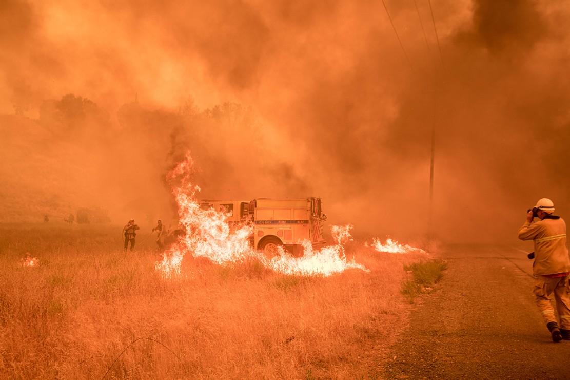 Kebakaran Hutan Landa California Utara