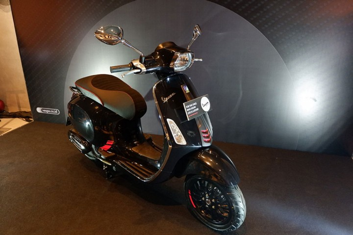 New Vespa Sprint Carbon yang Kian Sporty