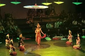 Mereka yang melakukan pentas budaya adalah pemuda dan pemudi dari 44 negara sahabat yang menerima Beasiswa Seni dan Budaya Indonesia 2018 dari Kementerian Luar Negeri Republik Indonesia.