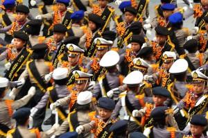 Polisi cilik memamerkan kemampuan mereka membentuk formasi zig-zag dan formasi silang. Mereka pun meneriakan yel-yel siap mengamankan Asian Games 2018. Antara Foto/Wahyu Putro A