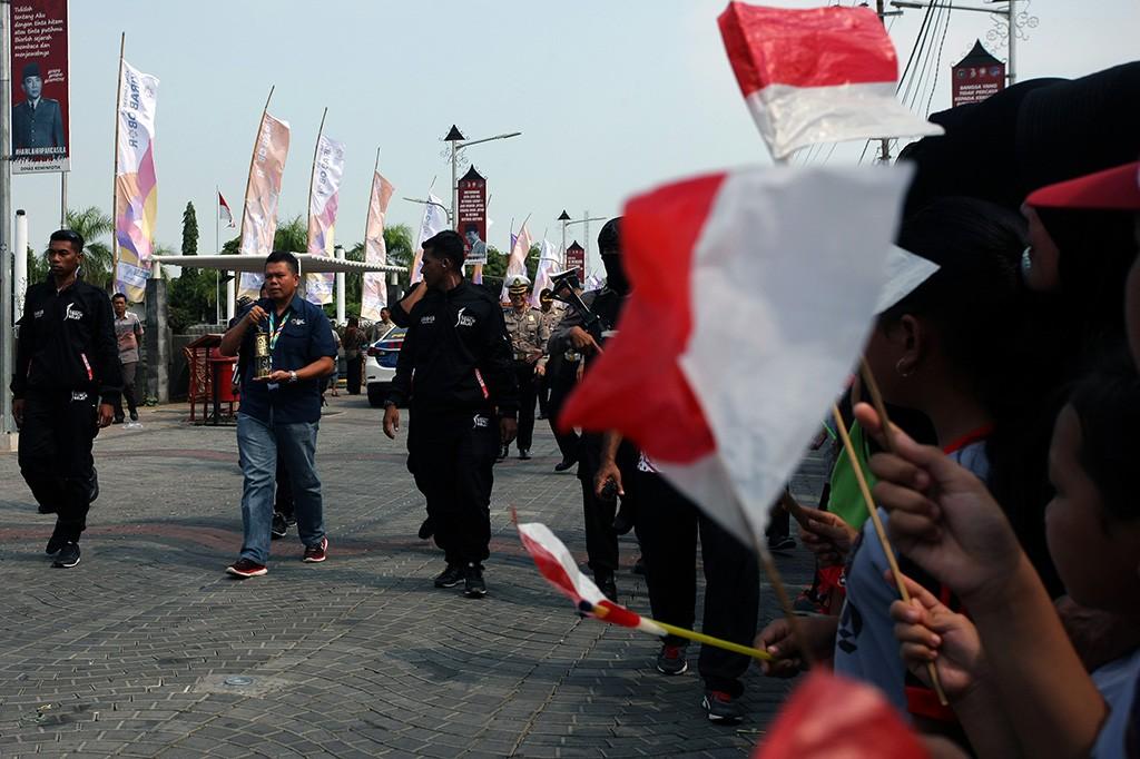 Menteri Puan Pimpin Kirab Api Obor Asian Games di Blitar
