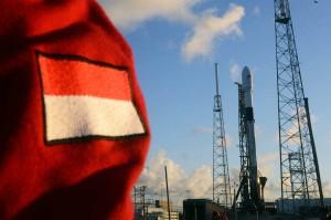 Satelit Merah Putih pada posisinya yang siap diluncurkan di Cape Canaveral, Florida, Amerika Serikat, Senin, 6 Agustus 2018 waktu setempat.