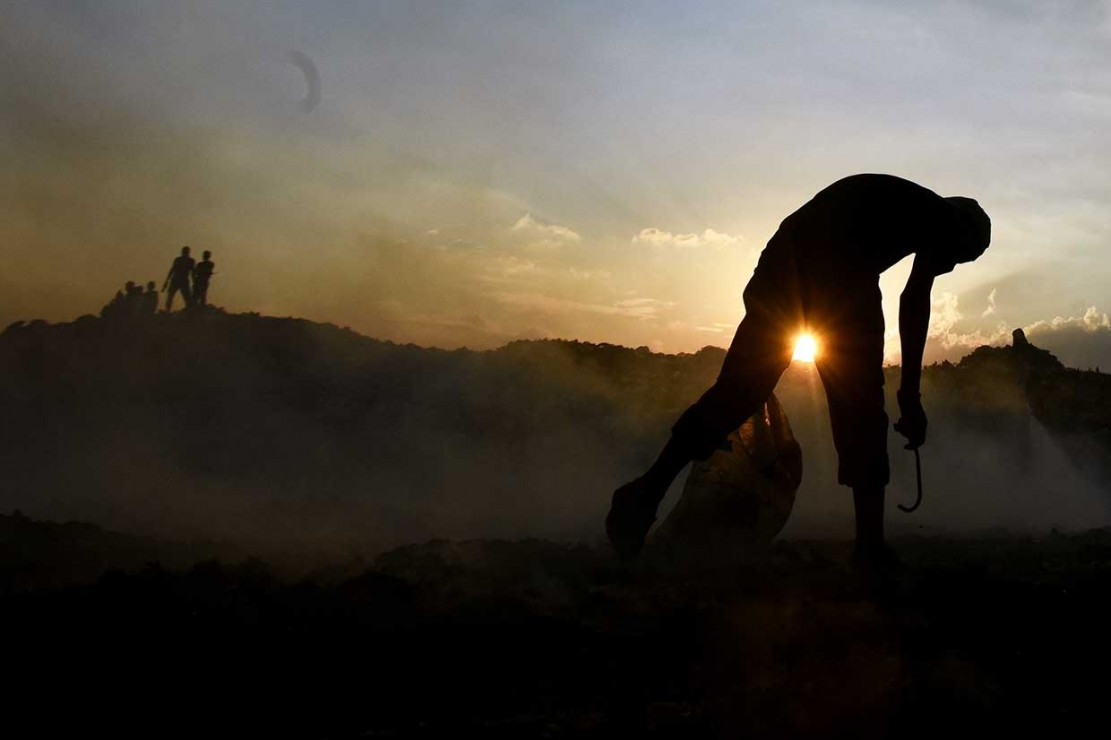 Kebakaran Landa TPA Antang Makassar
