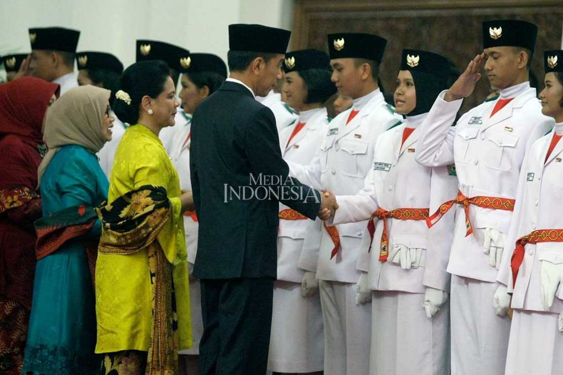 Jokowi Kukuhkan Anggota Paskibraka 2018