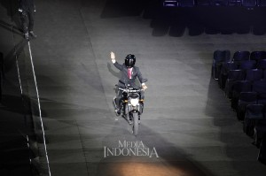 Jokowi tiba di Royal Box, area VVIP untuk menyaksikan pembukaan Asian Games 2018. MI/Rommy Pujianto