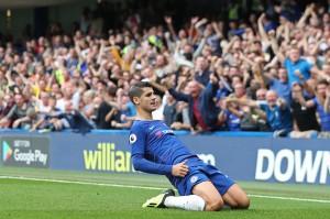 Tekanan bertubi-tubi tim London biru membuat penyerang Alvaro Morata mencetak gol pada menit ke-20. Memanfaatkan umpan Cesar Azpilicueta, Morata mencetak gol pertama di musim ini. Alvaro Morata/Daniel Leal-Olivas