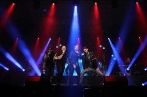 Boyband asal Irlandia, Boyzone membawakan lagu andalannya dalam konser perpisahan bertajuk 'Boyzone 25 Years Farewell Concert' di Surabaya, Jawa Timur, Kamis, 23 Agustus 2018 malam.