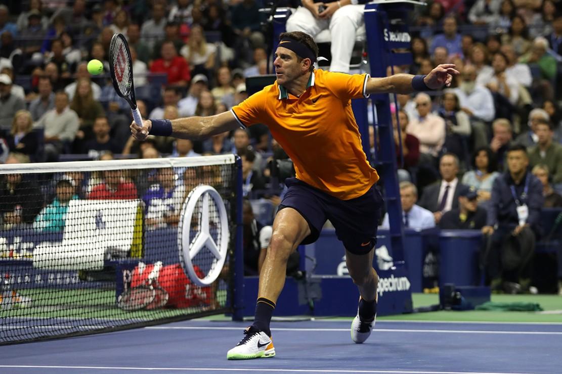 Pada pertandingan di Arthur Ashe Stadium, Djokovic mengalahkan Del Potro tiga set langsung 6-3, 7-6 (4), 6-3.