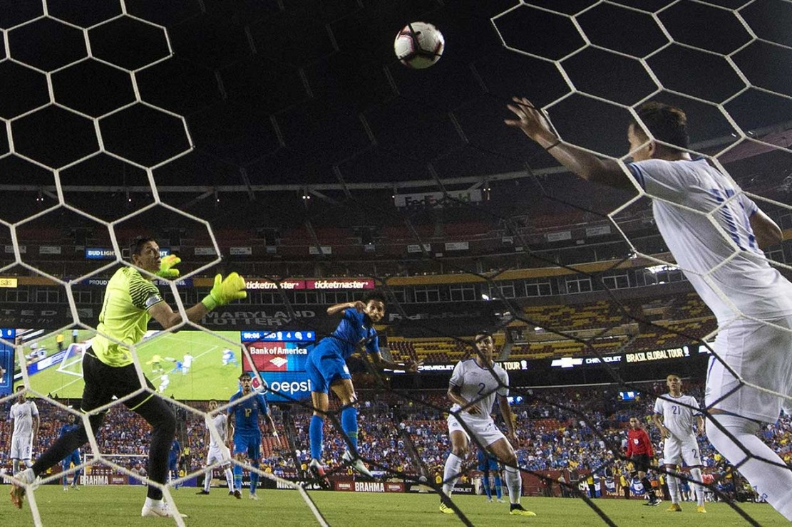 Brasil Lumat El Salvador 5-0