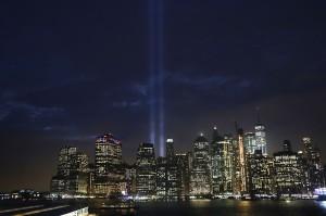 Festival lampu 'Tribute in Light' di Kota New York itu berlangsung untuk mengenang peristiwa 11 September (9/11) 17 tahun lalu.
