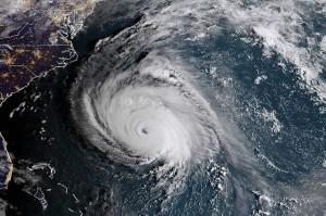Kekuatan badai itu diyakini berada di kategori 3. Namun, pada Rabu malam, kekuatan badai Florence masuk kategori 4 dengan kecepatan 220 kilometer (km) per jam. Posisi badai saat itu terletak 1.165 km di timur-tenggara Cape Fear, Carolina Utara. AFP/NOAA/RAMMB