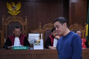 Ahmad Ghiast dinilai terbukti menyuap mantan anggota DPR Amin Santono dan Kasi Pengembangan Pendanaan Kawasan Perumahan Kemenkeu Yaya Purnomo terkait kasus suap usulan dana perimbangan keuangan daerah pada RAPBN Perubahan Tahun Anggaran 2018.