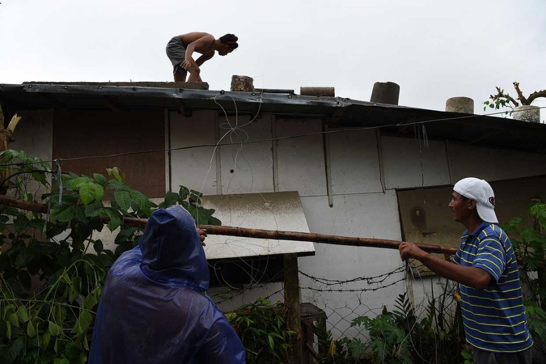 Warga Filipina Bersiap Hadapi Badai Mangkhut