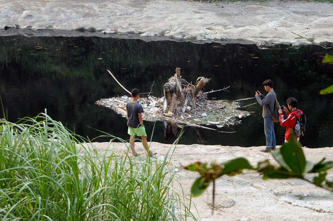 Sungai Cileungsi Tercemar Limbah Berbahaya