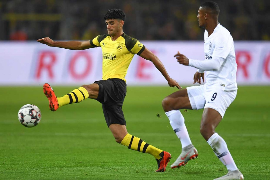 Pemain asal Prancis Sebastian Haller menyamakan kedudukan pada menit ke-68, menyambar bola sapuan Marcel Schmelzer, sebelum mantan pemain Eintracht, Marius Wolf merestorasi keunggulan Dortmund empat menit kemudian.