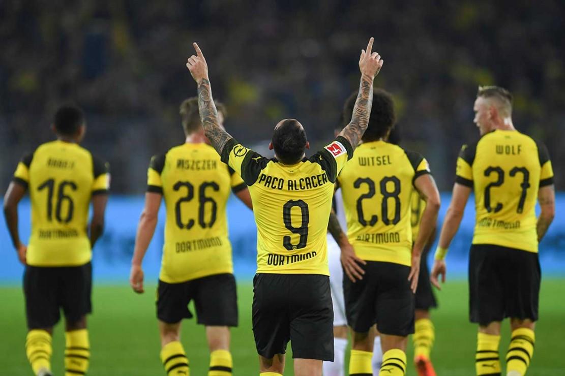 Dortmund mengoleksi tujuh poin dari tiga pertandingan memuncaki klasemen, sementara juara bertahan Bayern Munich yang memiliki enam poin dari dua laga dan akan berhadapan dengan Bayer Leverkusen pada Minggu, 16 September WIB.