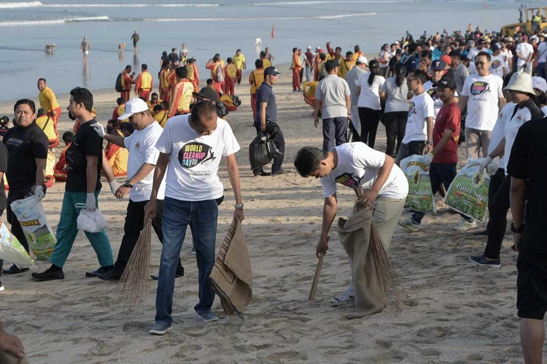 World Cleanup Day, Warga Bersih-bersih Lingkungan