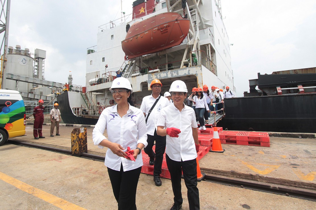 Menteri BUMN Lepas Kapal Ekspor Pupuk Urea di Bontang