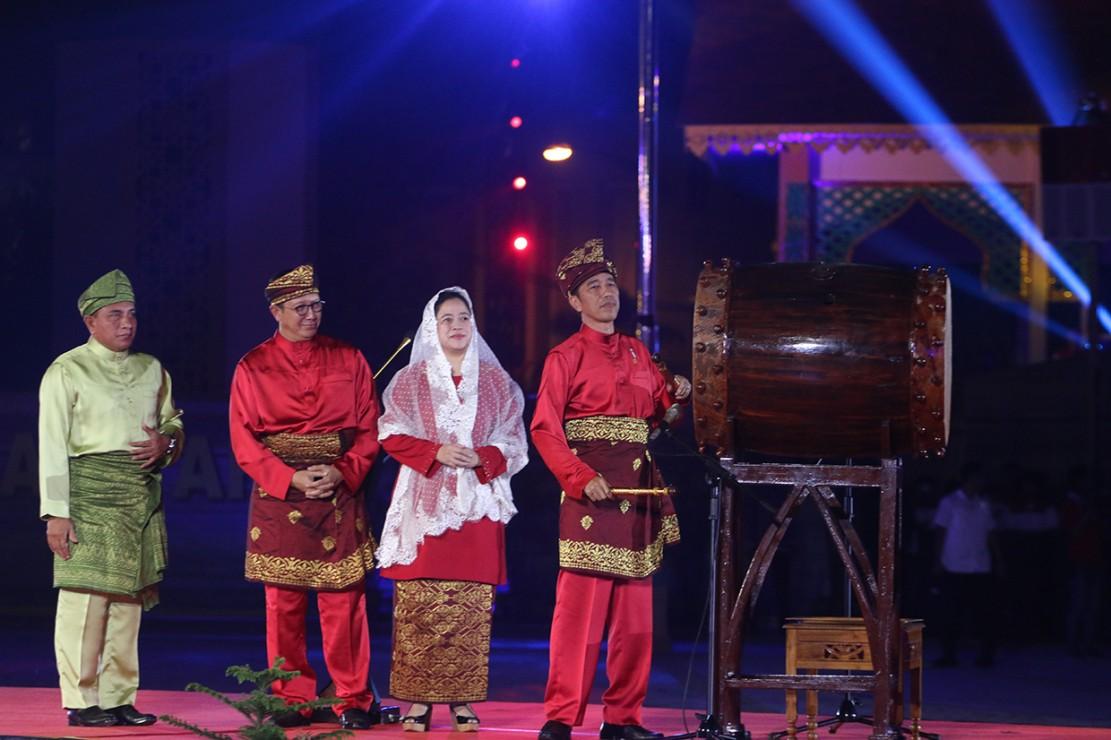 Jokowi Buka MTQ Nasional ke-27 di Medan