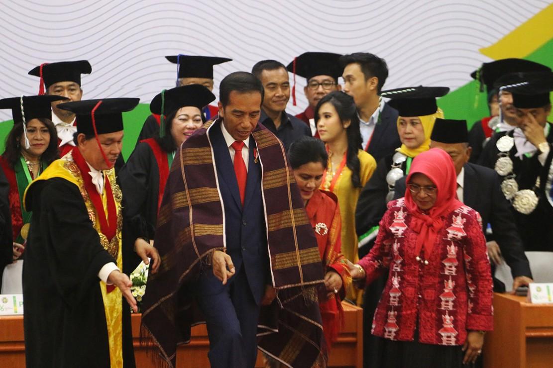 Jokowi Sampaikan Orasi Ilmiah Dies Natalis USU