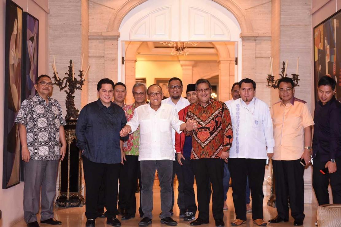 Aburizal Bakrie Bertemu TKN Jokowi/Ma'ruf
