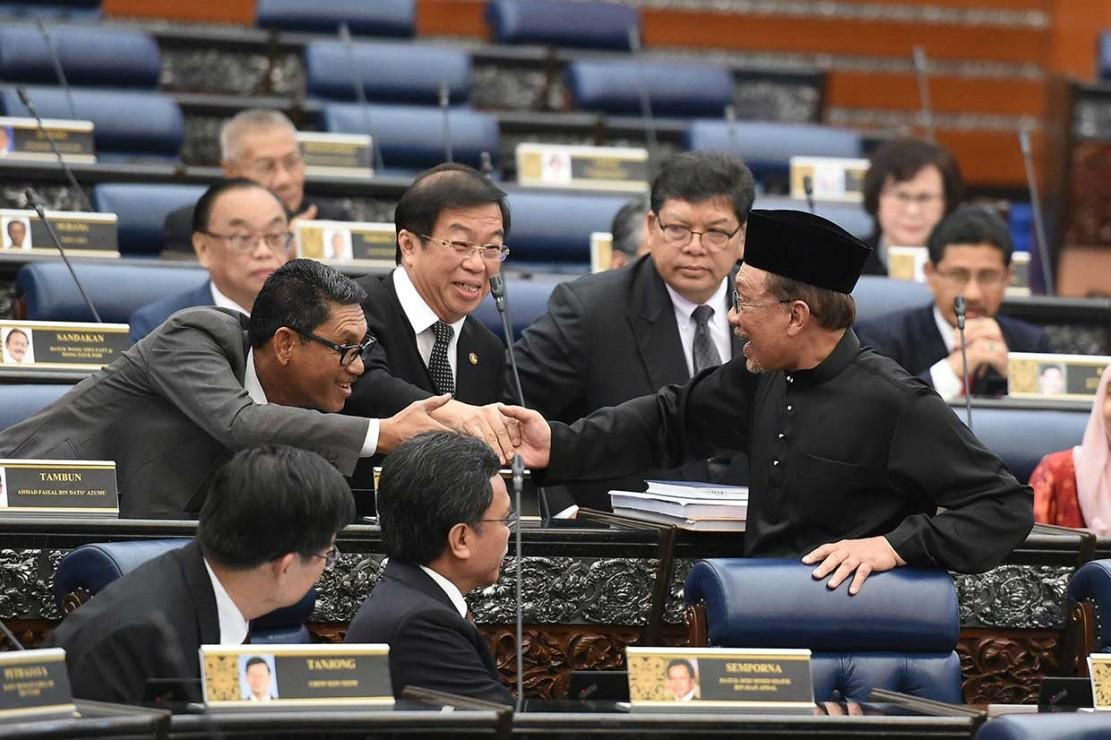 Anwar Ibrahim Dilantik jadi Anggota Parlemen
