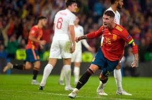 Sergio Ramos mencetak gol kedua Spanyol pada menit ke-90, ketika ia menanduk umpan silang Dani Ceballos. Skor 2-3 bertahan hingga laga usai.