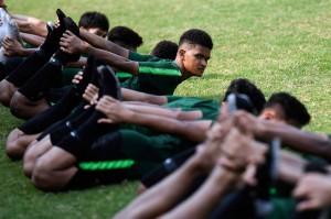Latihan tersebut untuk persiapan jelang bertanding melawan Timnas Qatar dalam laga penyisihan Grup A Piala Asia U-19 di Stadion Gelora Bung Karno pada Minggu, 21 Oktober.