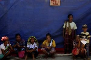 Mahkamah Konstitusi (MK) memutuskan pemungutan suara ulang (PSU) di 30 dari 921 TPS di Kabupaten TTS dalam sidang sengketa pilkada yang berlangsung Jakarta, Rabu, 26 September. Keputusan MK itu karena sesuai dengan hasil penghitungan suara ulang di 921 TPS pada 3-8 September 2018 lalu, ditemukan adanya formulir C1 dan C1 Plano di 30 TPS tidak berhologram.