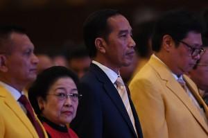 Selain Jokowi, hadir juga Ketua Umum PDI Perjuangan Megawati Soekarnoputri dan Ketua Umum Partai Nasdem Surya Paloh. Kemudian, sejumlah pimpinan parpol pengusung calon presiden dan wakil presiden Jokowi-Ma'ruf Amin.