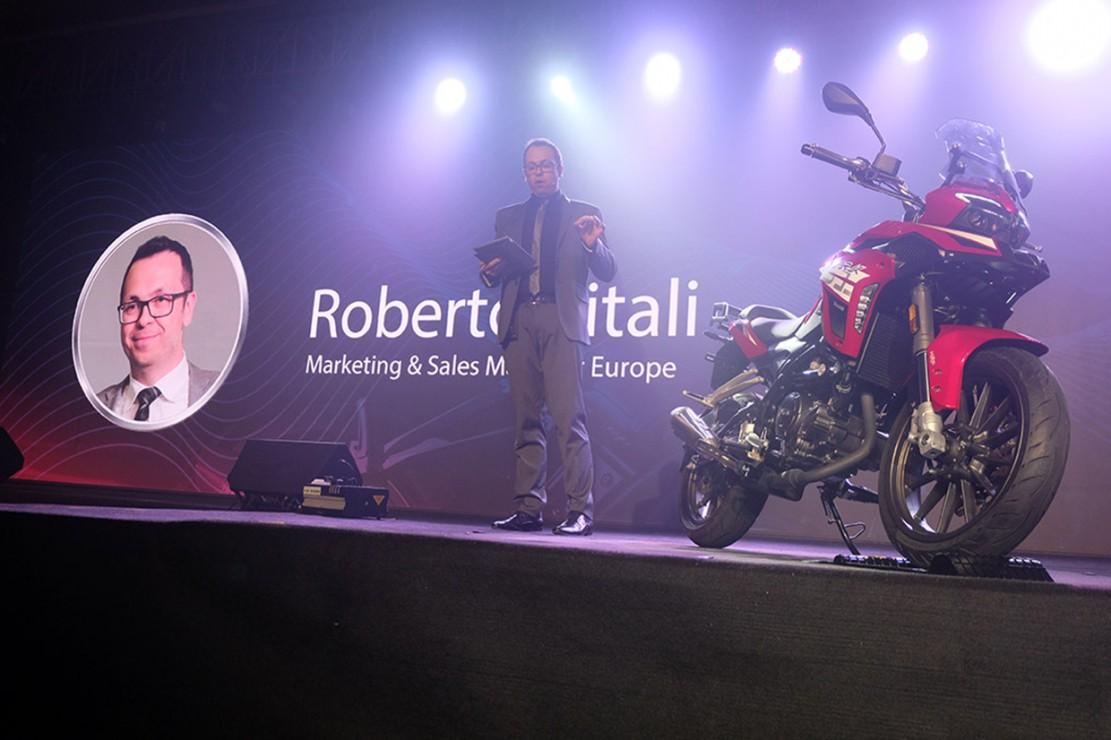 Marketing Director for Europe Benelli Q.J. SRL, Roberto Vitali, memberikan presentasi mengenai TRK251.