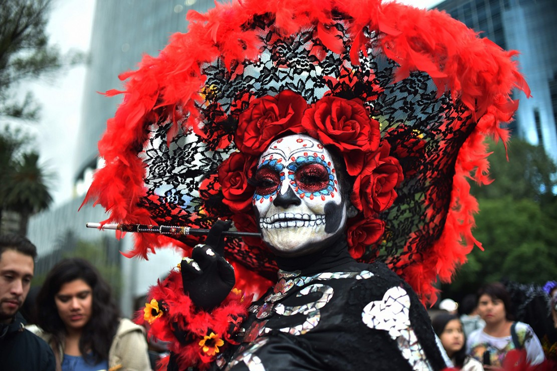 Perayaan Day of the Dead ini sering dimulai pada tanggal 31 Oktober hingga 2 November setiap tahunnya.