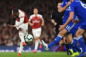 Bermain di Stadion Emirates, London, Selasa, 23 Oktober dini hari WIB, Arsenal beberapa kali melakukan serangan ke gawang Leicester City. Salah satunya tembakan Alexandre Lacazette, namun belum mampu menjebol gawang Kasper Schmeichel.