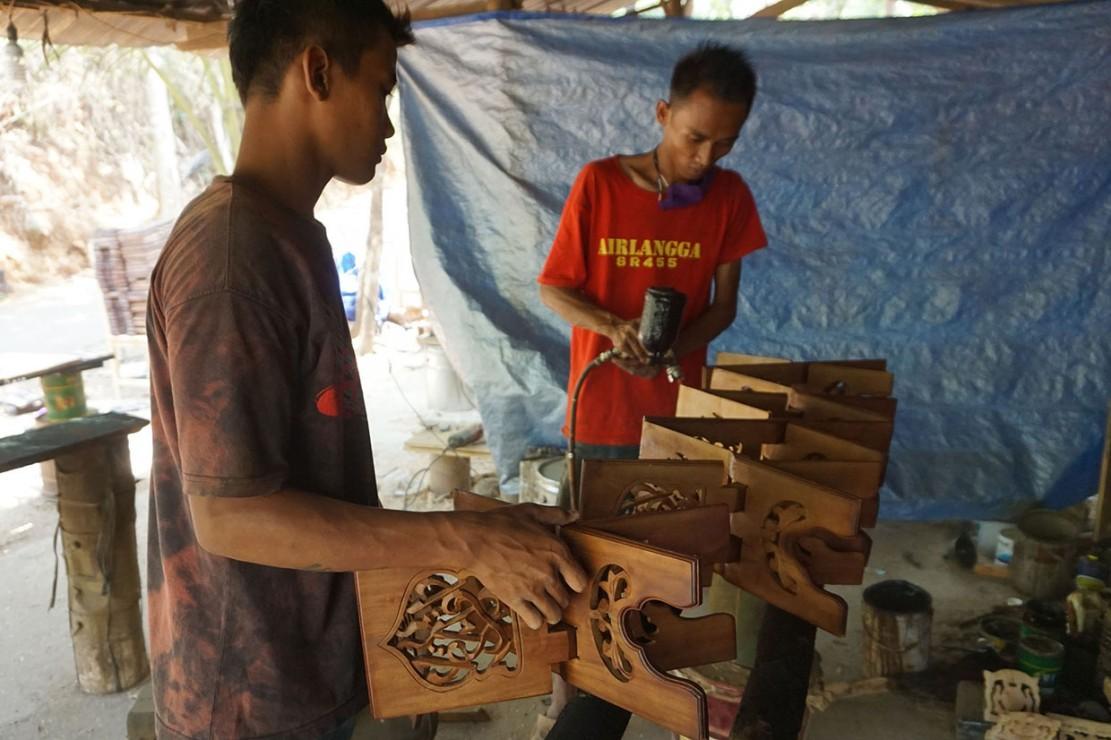Melihat Pembuatan Rehal di Jepara