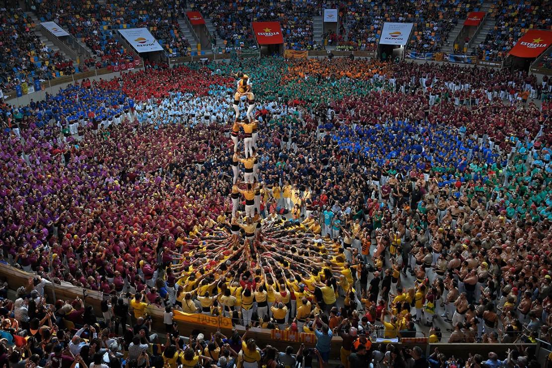 Kompetisi Menara Manusia yang telah ada sejak 200 tahun lalu ini diakui oleh UNESCO sebagai Masterpiece od The Oral and Intangible Heritage of Humanity. Selain itu, kompetisi menara manusia ini pun telah melekat kuat dan menjadi identitas warga Catalonia, Spanyol.
