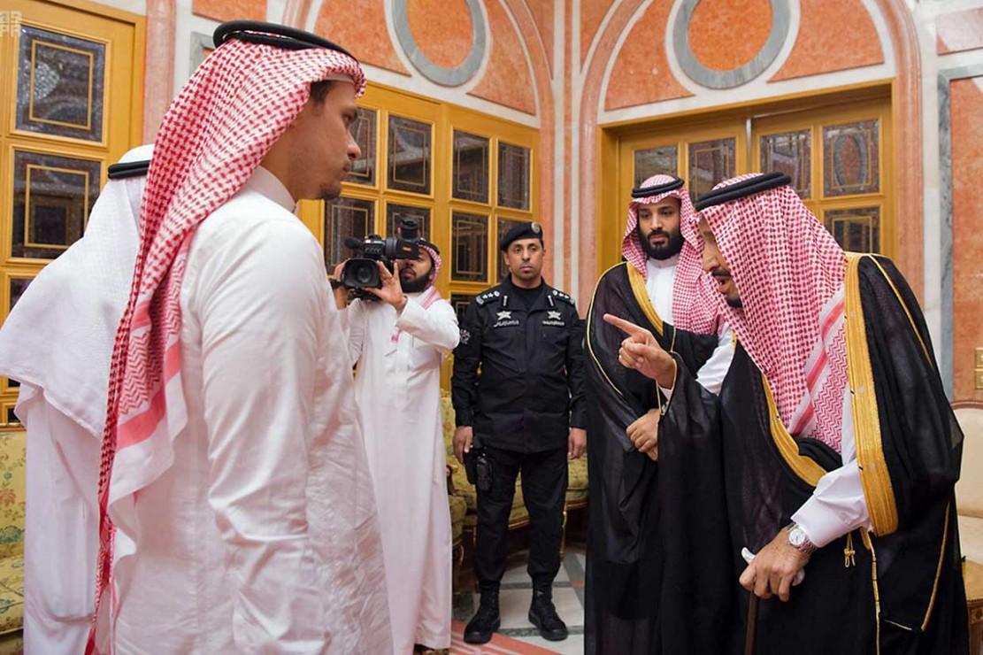 Arab Saudi mengakui Khashoggi tewas di konsulat mereka di Istanbul, Turki, tetapi akibat perkelahian dengan sejumlah orang di gedung tersebut. Riyadh mengaku telah memecat lima pejabat dan menangkap 18 orang terkait kasus tersebut.