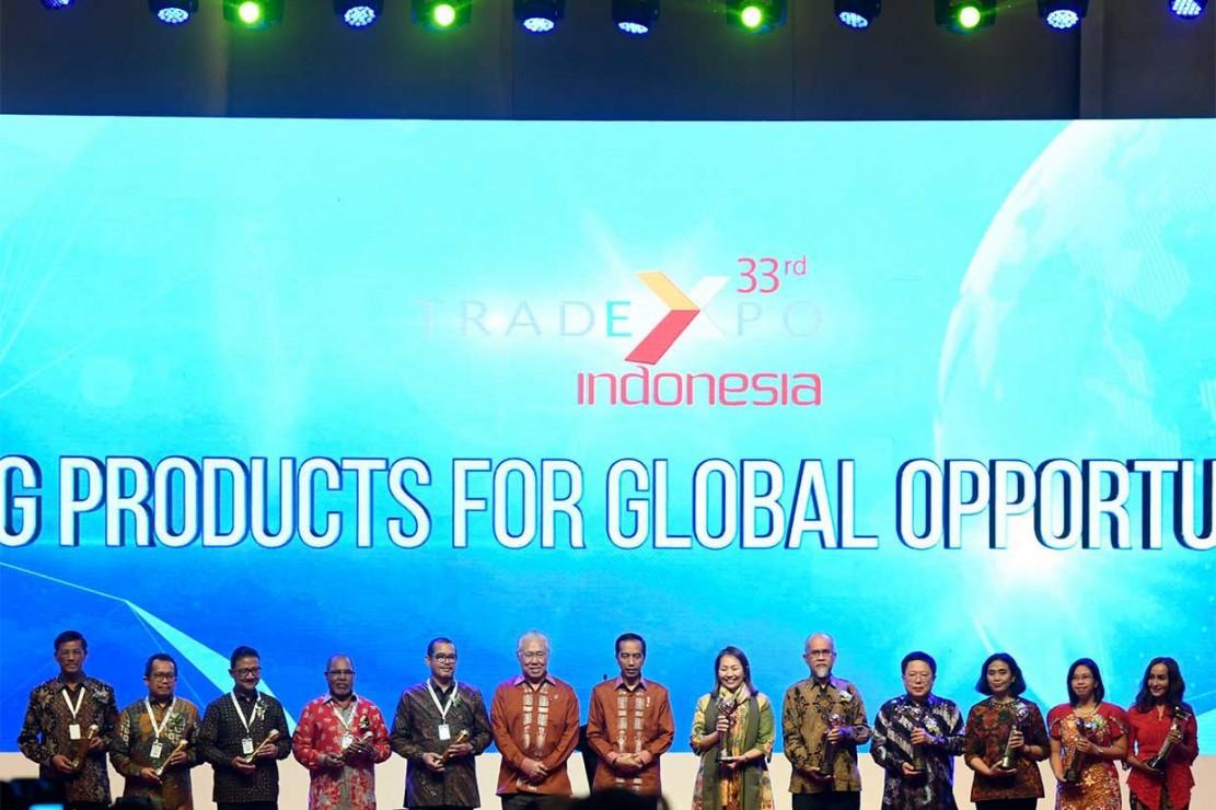 Menurut Presiden, pelaku bisnis Indonesia juga perlu memperluas pasar dengan melakukan penetrasi ke pasar-pasar non-tradisional yang belum banyak digarap.