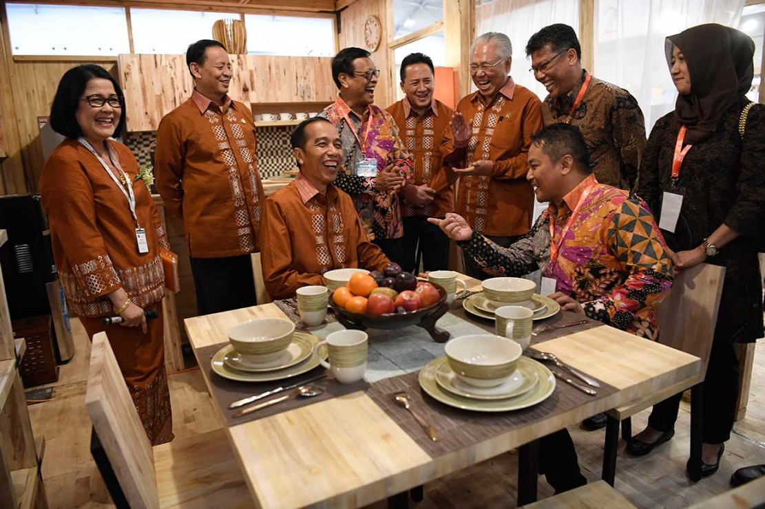 Jokowi Ingatkan Peluang Pengusaha Saat Perang Dagang