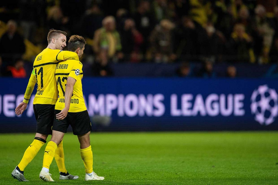Dortmund, yang belum kemasukan gol di kompetisi elit ini, memuncaki klasemen dengan sembilan poin dari tiga pertandingan, sedangkan Atletico berada di peringkat ke-2 dengan enam poin.