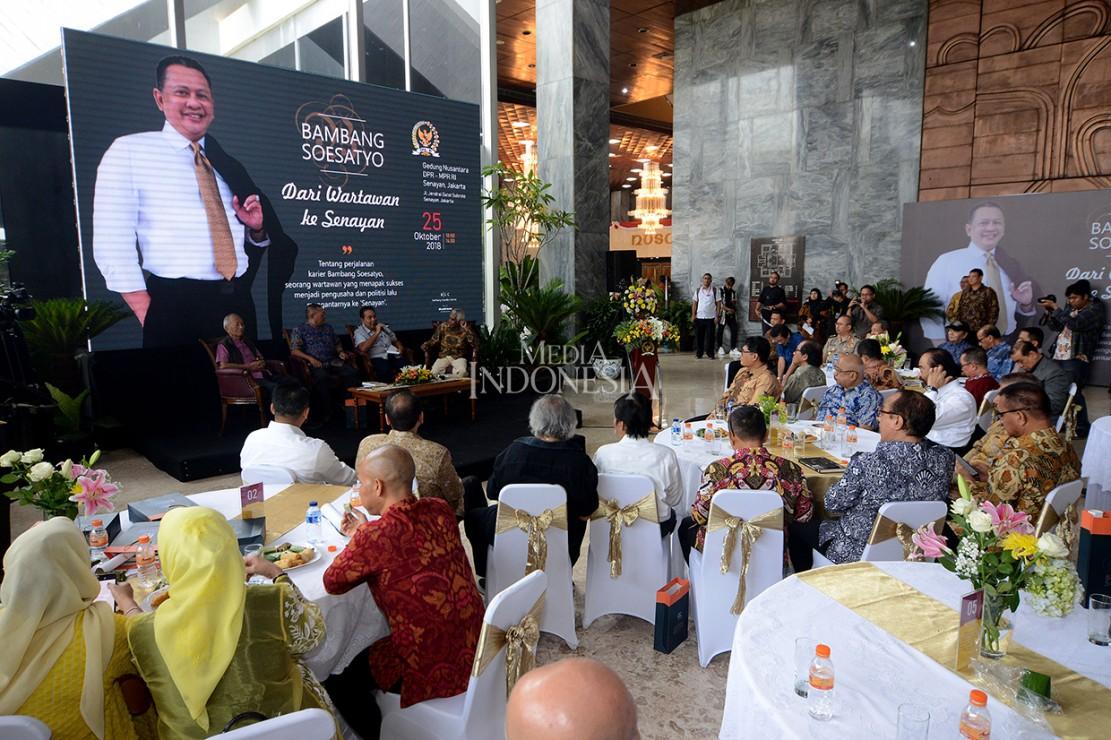 Buku tersebut berisi perjalanan Bambang Soesatyo yang merintis karir mulai dari wartawan, memulai bisnis hingga menjadi Ketua DPR.