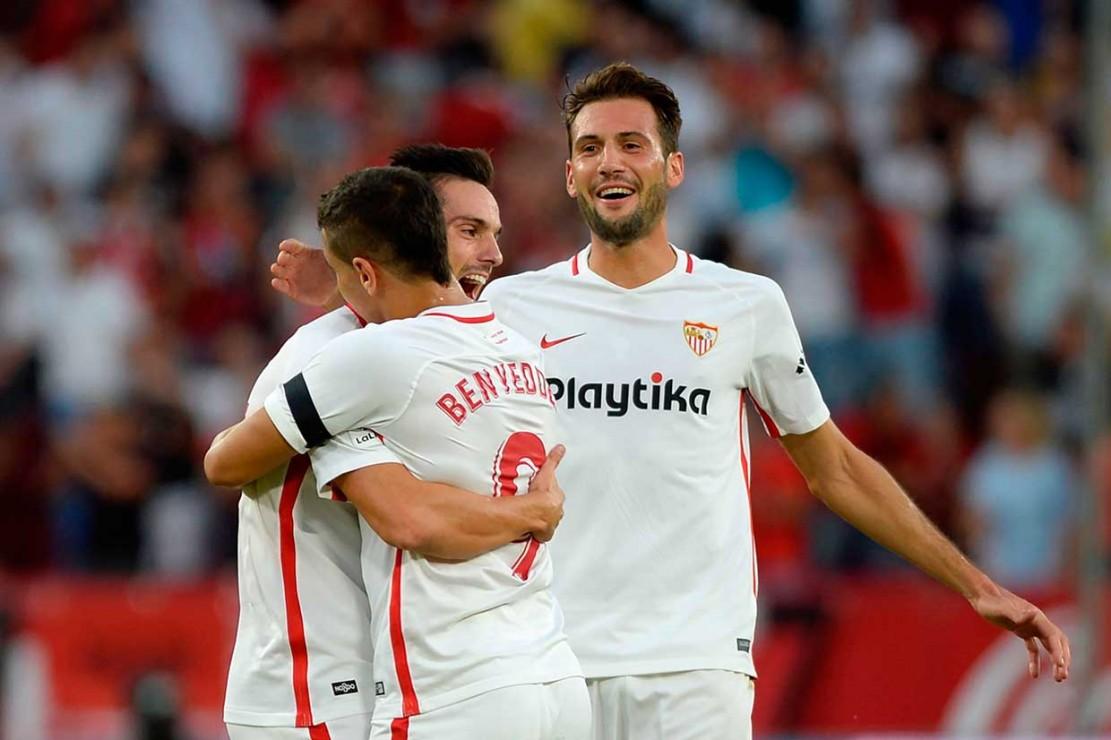 Pablo Sarabia menggandakan keunggulan Sevilla dua menit berselang melalui eksekusi penalti. Penalti ini didapatkan setelah Aleix Vidal dilanggar oleh Miguel Lopes. Pada menit ke-35, Sevilla unggul 3-0 lewat gol bunuh diri Milan Lukac.