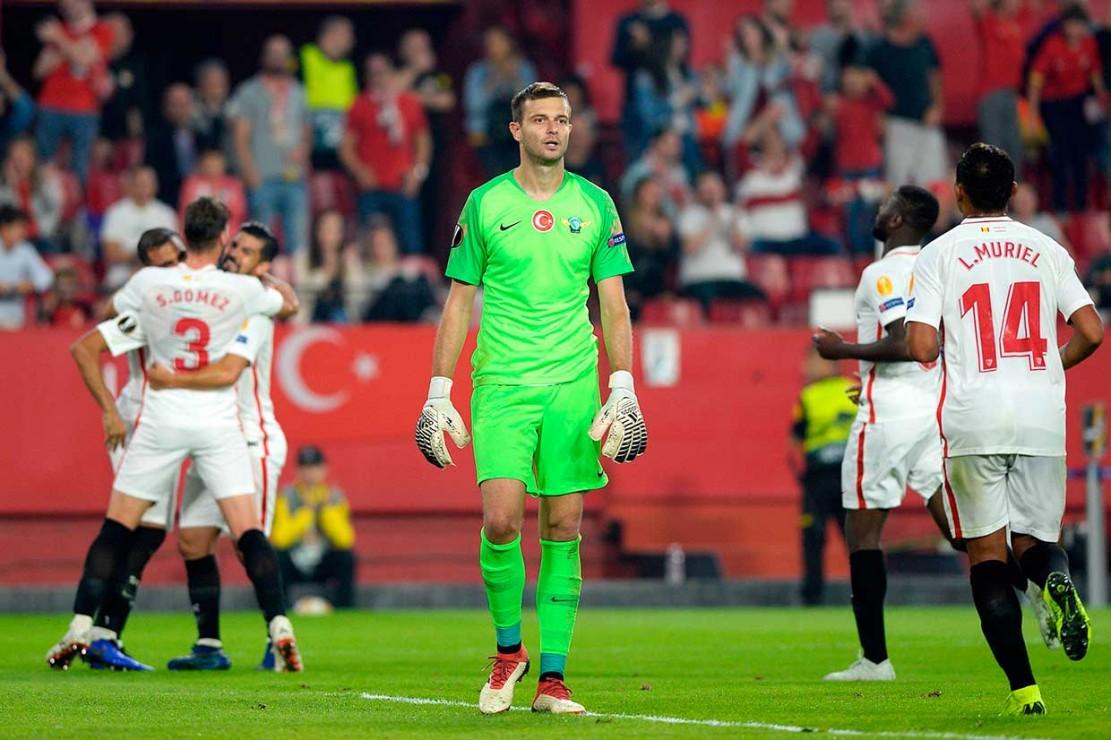Kemenangan ini membuat Sevilla mengoleksi enam poin dari tiga pertandingan di puncak klasemen, unggul selisih gol atas Krasnodar dan Standard Liege yang memiliki poin sama.