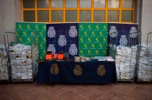Polisi antinarkoba Spanyol menangkap 16 tersangka dan menyita lebih dari enam ton kokain.